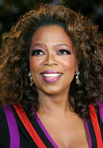 Oprah Winfrey: 'Dünyanın En Güçlü Kadınları' listesinde başı çekenlerden Oprah Winfrey, bugünkü güç ve ününe kavuşmadan önce, haftalık 100 dolar karşılığında bir radyo istasyonunda çalışıyordu.